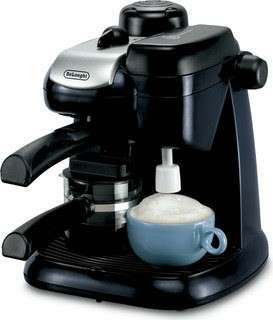 Coffee maker with frother