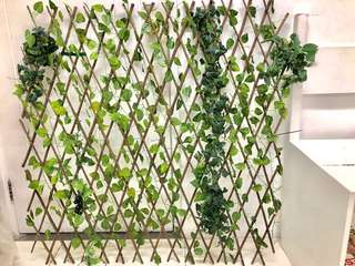 Artificial leaves and vines on trellis