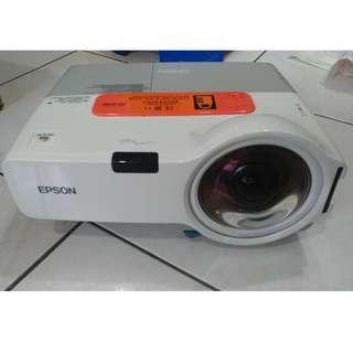 EPSON EB-410WE 液晶投影機投影機 (送投影布幕)