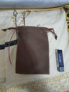 全新麂皮束繩袋收納實用袋小巧