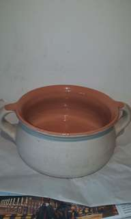 VINTAGE CLAY EARTHWHERE  OF FRANCE VALLAURS  POT COLLECTABEL