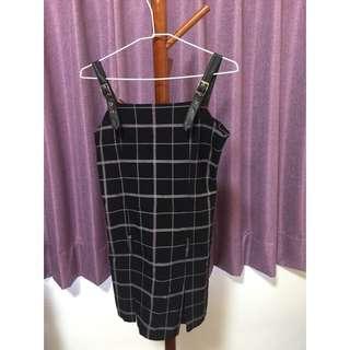 🚚 格子吊帶裙-黑色