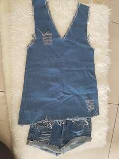 Outer dan celana jeans 1 set ya size M turun pinggang