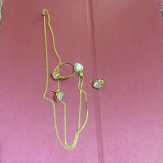 Authentic Set jewelries 18k saudi gold