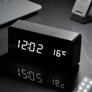 🚚 黑色時尚簡約電子鐘 鬧鐘 夜光時間 - 可充電款
