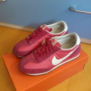 🚚 Nike 桃紅休閒鞋(類似阿甘鞋) US6.5 / 23.5 / 37