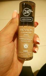 🚚 Revlon Colorstay Foundation