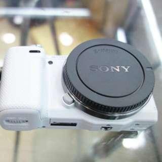 Sony rear lens cap + body cap