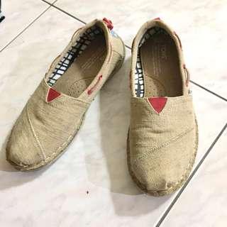 🚚 TOMS 亞麻鞋