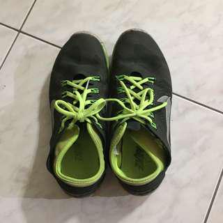 🚚 NIKE慢跑鞋