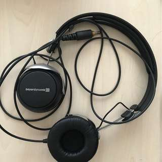 On-ear headphones Beyerdynamic DT 1350