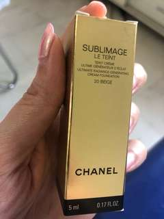 Chanel sublimage le teint foundation (20 beige)