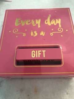 Gift Box inspiration quote pink chest box
