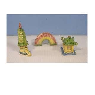 Vintage ceramic bonsai mudman gazebo foot bridge pagoda circa 1940 -1060 unused