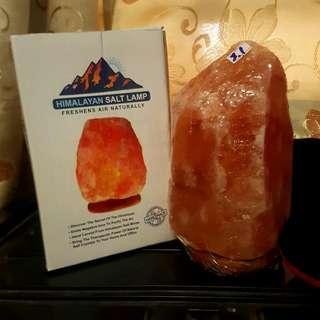 SALE!! HIMALAYAN SALT LAMP 3.1KG