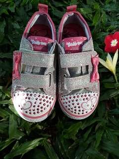 Sepatu skechers twinkle toes