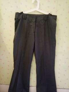 Celana kerja garis2 grey