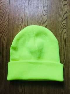 🚚 螢光黃 毛帽