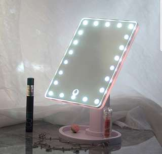 360° Rotating LED desktop mirror