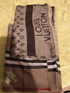 Gucci burberry LV scraves top quality
