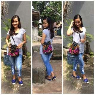 Tas Batik BACA CAPTION