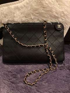Chanel Vintage clutch on chain