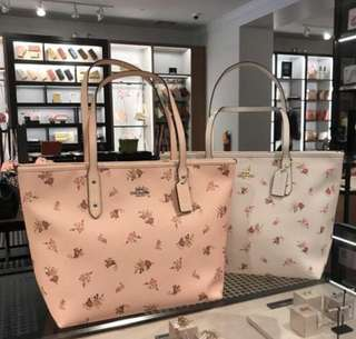 AUTHENTIC COACH CITY TOTE ZIP WITH  DAISY BUNDLE PRINT (F29487)