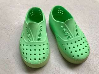 Native shoes - Glow in the dark (Size C11)