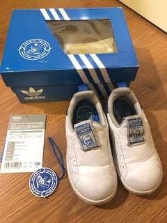 Preloved Adidas Original Stan Smith baby size 22