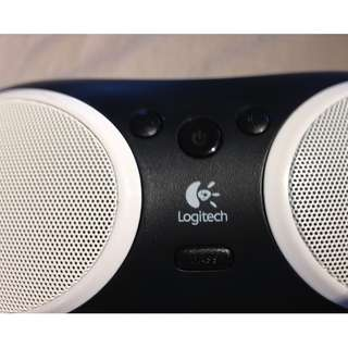 Logitech Portable Apple iPod Dock with AUX Input | SPEAKER S125i