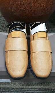 Sepatu charles n keith original