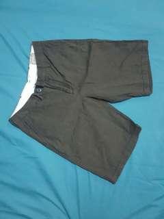 celana pendek kaporal size 28