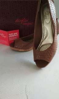 Sepatu Wedges Dexflex
