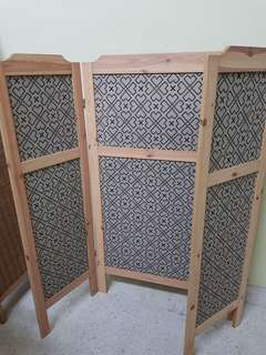 Pinewood Screen Divider