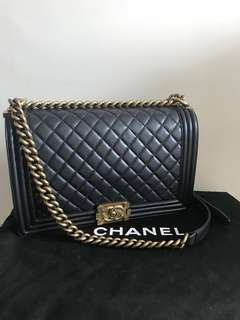 CHANEL Boy Chanel New Medium in Black (Lambskin) with Gold Hardware 復古金鏈金扣28cm
