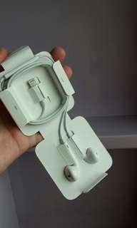 genuine  apple  earpod