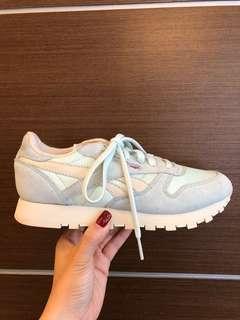 🚚 Reebok 球鞋