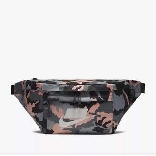 Nike Sportswear Tech Printed Hip Pack 粉紅迷彩 腰包 BA5795-060