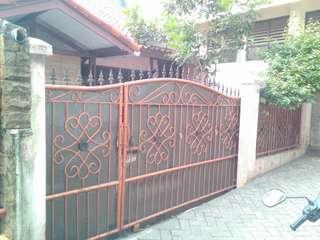 Dijual rumah di cipadu Tangerang