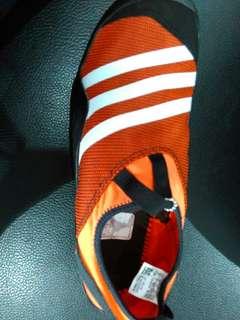Sepatu Adidas Climacool Jawpaw untuk Pria cocok aktivitas Outdoor atau Adventure Original warna Orange ukuran 40,5 43,44,45,46,diskon,harga Awalnya Rp. 800rban.