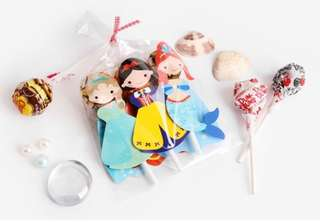 Princess lollipop holder/deco. Great for all party.