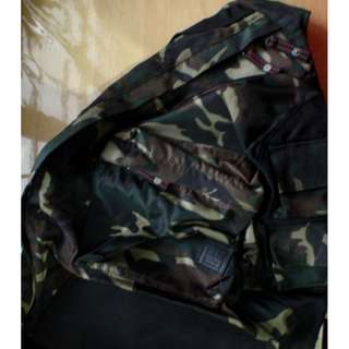 Gap Cool Camouflage Bag Slightly Used SUPERSALE