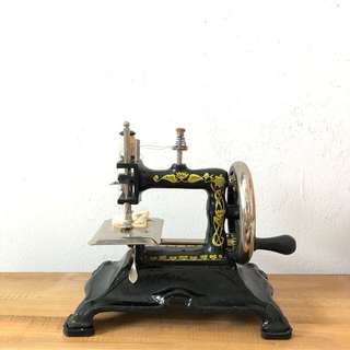 Antique vintage handle type table Sewing Machine