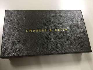 CHARLES&KEITH粉色多夾層實用長夾