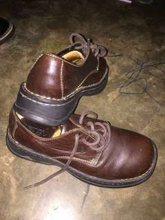Born leather shoes from US