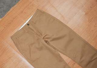 Celana chino uniqlo warna camel