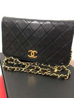 Authentic Chanel vintage flap bag - lambskin