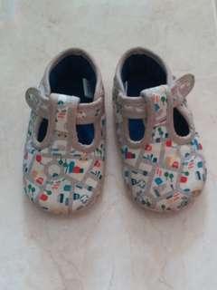 Mothercare Anti-slip Pram Shoes 6-12 months