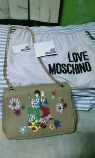 Moschino handbag (Authentic Quality)