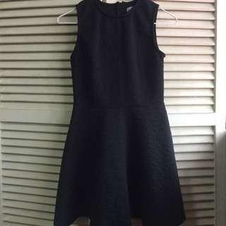 Black dress Just g.